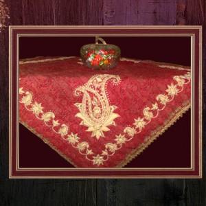 رومیزی سنتی طرح گل و جقه